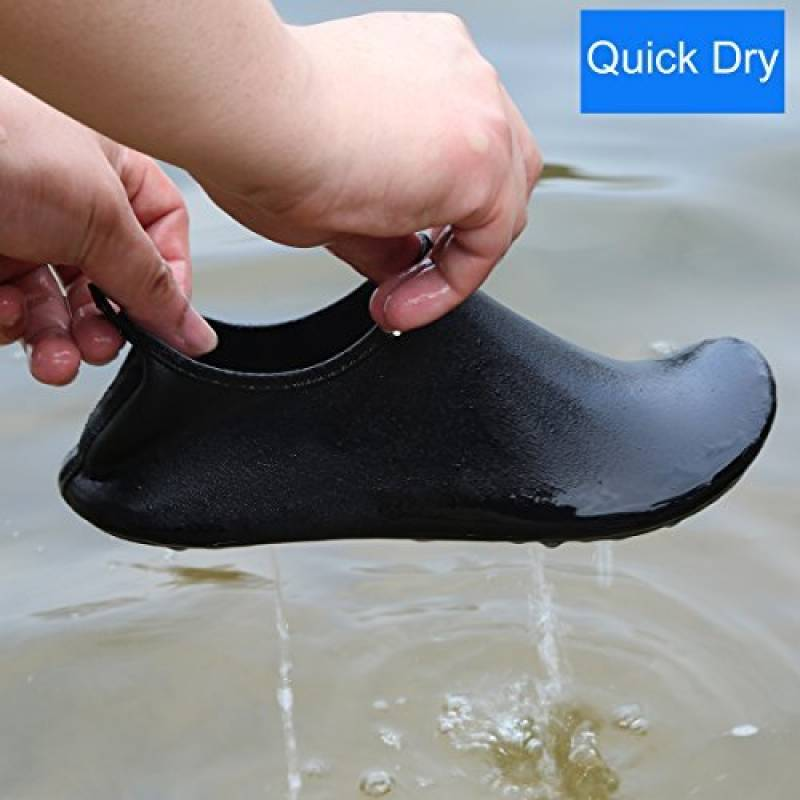 ea71e4ee4f QIMAOO Chaussures de Sports Aquatiques Pour Femme et Homme, Chaussures de  Plage Pour la Natation,la Plongée,le Surfing et le Yoga,Chaussons D'Eau  Pliable et ...